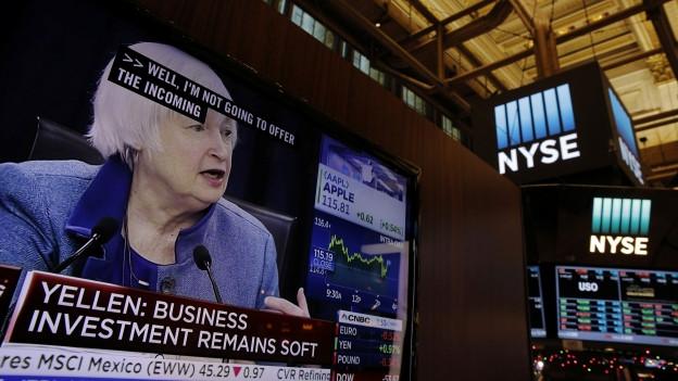 Notenbank-Chefin Janet Yellen - am Bildschirm sichtbar in der US-Börse.