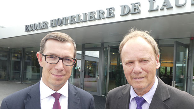 Alain Kropf, General Manager Hotel Royal Savoy, Lausanne (links), Michel Ferla, Kommunikationsverantwortlicher EHL.
