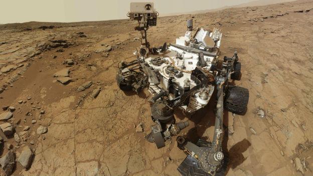 Kann nicht nur im Gestein bohren, sondern auch Selbstporträts schiessen: Der Mars Rover Curiosity.