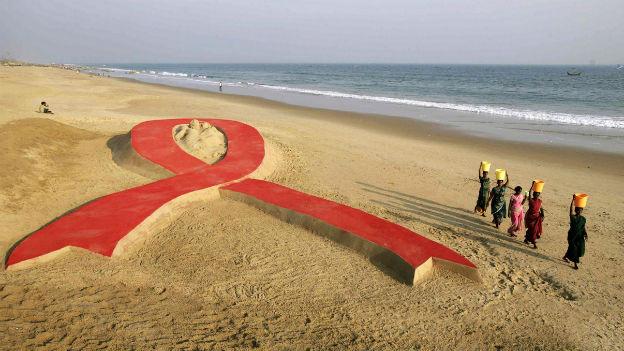Sandskulptur in Indien zum Welt-Aids-Tag am 1.12.2012