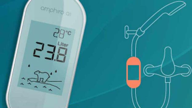 Das Messgerät Amphiro ist im Duschschlauch montiert.