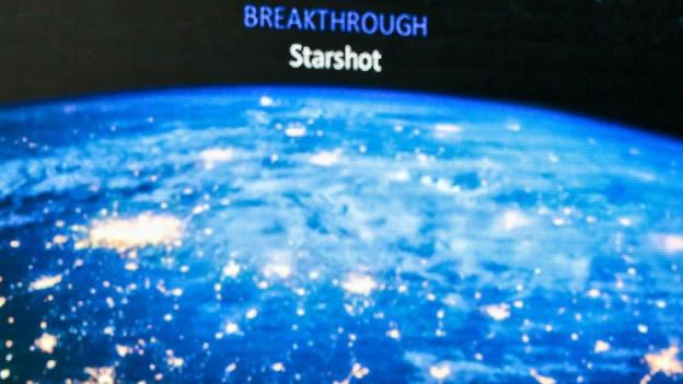 Ein Bild der Pressekonferenz, an der Stephen Hawking und co. das Projekt der Mini-Sonden vorstellten.