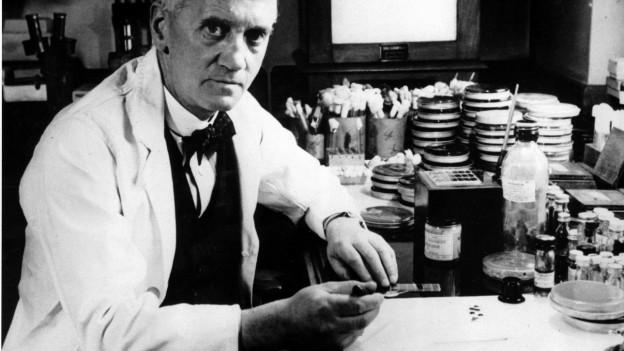 Der Entdecker des Penicillins: Alexander Fleming in einer Aufnahme von 1952.