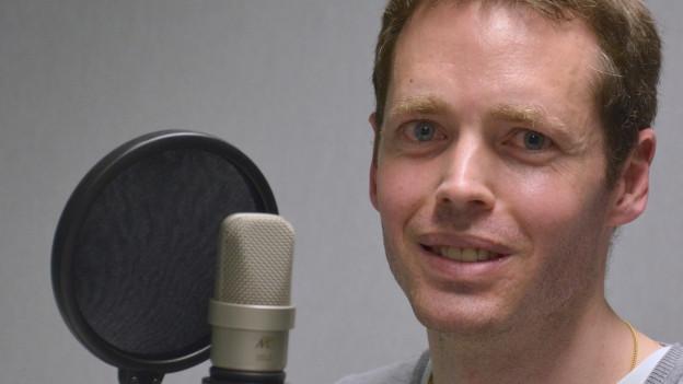 Der Historiker Daniel Krämer im Studio von Radio SRF