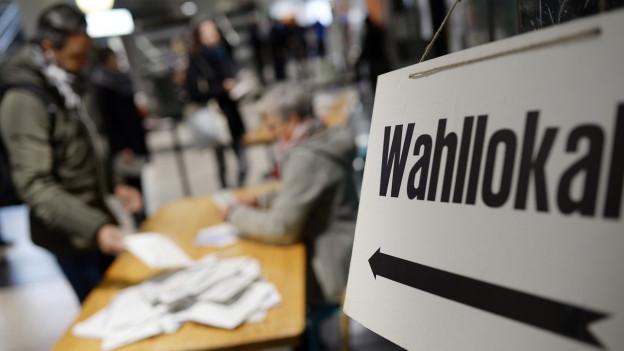 Proporzwahlsystem und politische Stabilität: zu sehen ist ein Wahllokal in Zürich bei der letzten eidgenössischen Wahl 2015.