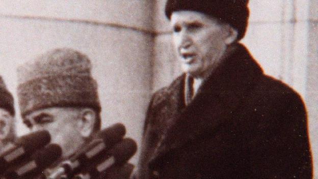 Nicolae Ceausescu hält eine Rede