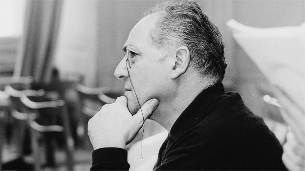 Portrait von Ettore Cella während den Aufnahmen zu «Biedermann u d'Brandstifter» im Schauspielhaus Zürich im Jahr 1960.