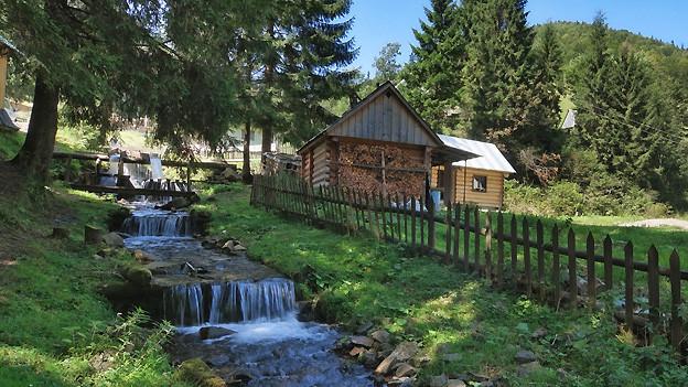 Einen Platz, der ausserhalb eines Dorfes liegt, nennt man im Engadin «Luiesta».
