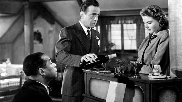 Eine Szene aus «Casablanca», die Filmgeschichte schrieb.