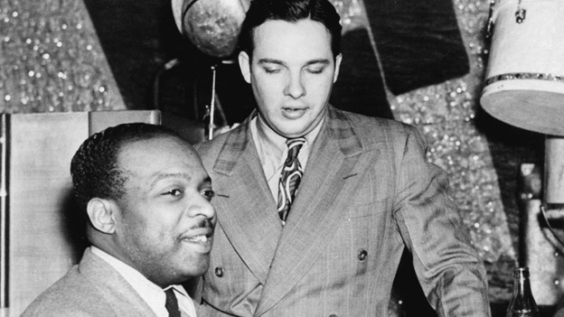 Jazzlegende Count Basie (l) und Bob Crosby (r) ca.1942.