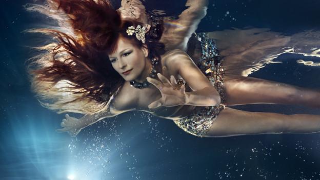«Wassernixe» Andrea Berg auf der Suche nach dem versunkenen Atlantis.