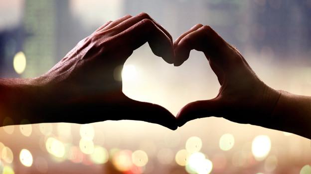 Die Liebessterne haben eine starke Wirkung. Die Liebe wird ausgedrückt und gelebt.