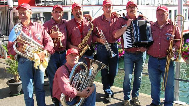 Die «Bandella Ritom» präsentierte in der Gemeinschaftssendung aus Bagnes typische Klänge aus dem Tessin.