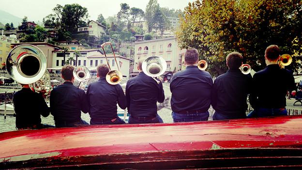 Aus der Deutschschweiz sind die Blechbuebe für die Sendung «musica e gastronomia» nach Ascona gereist.