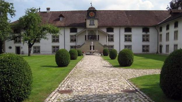 Kloster Fraubrunnen: Der Flurname «Im Bischof» hat vermutlich weder mit dem Kloster noch mit dem Amtsträger Bischof etwas zu tun.