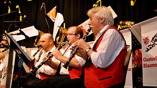 Die Gasterländer Blasmusikanten spielen zum 20-Jahr-Jubiläum der IG Schweizer Blaskapellen ISB.