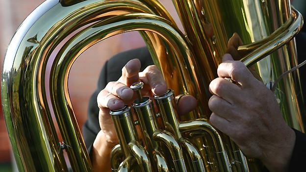 Die Tuba ist in der Militärmusik für die Tiefbässe zuständig.
