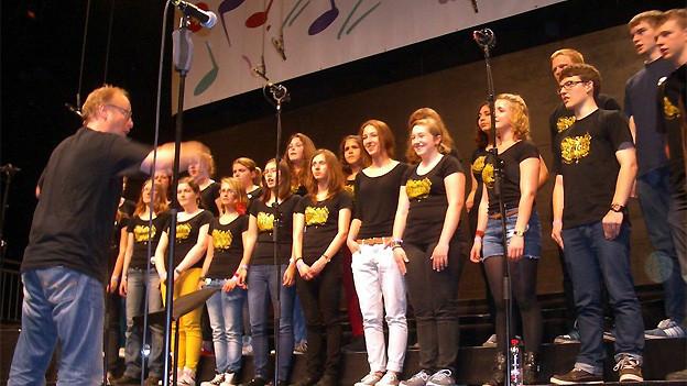 Jugendchor Sursee am Festkonzert im Rahmen des 4. Schweizer Kinder- und Jugendchorfestivals in St. Gallen.