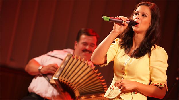 Die erfolgreiche Jodlerin Melanie Oesch hat vor ein paar Jahren den Folklorenachwuchs-Wettbewerb gewonnen.