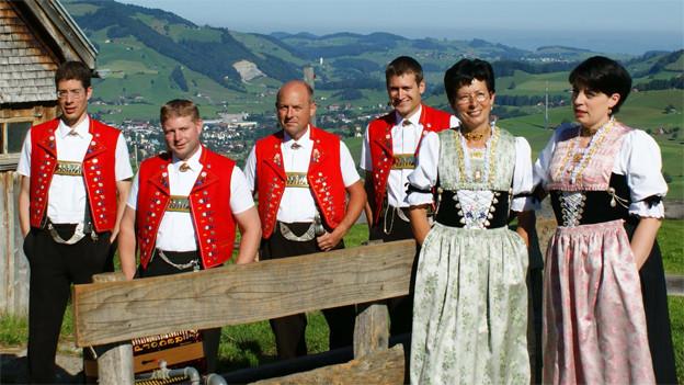 Die Jodlergruppe Hirschberg Appenzell hat 2013 mit «...bodstämmig» ihre vierte CD veröffentlicht.