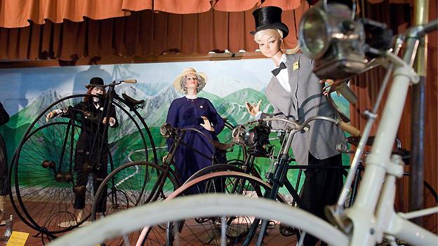 Im nationalen Velo-Museum «Du Pont» sind rund 500 Fahrräder ausgestellt, von der Draisine von 1817 bis zum modernen Karbonrad von heute.