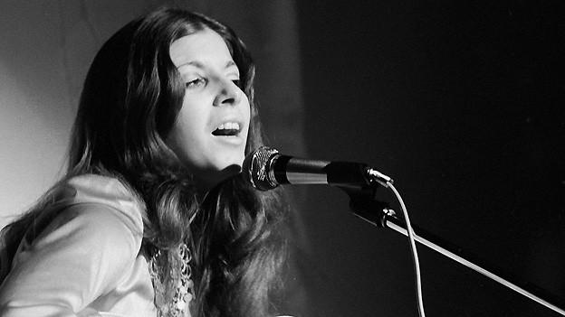 Monica Morell am 1. Juli 1974 bei einem Auftritt im Zürcher Mascotte.