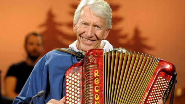 Carlo Simonelli hat sich das Akkordeonspiel selber beigebracht.