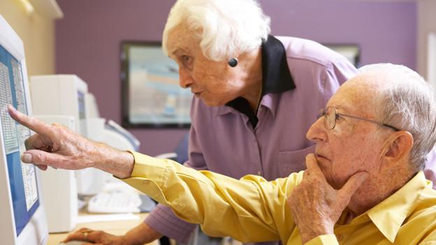 In der Cité Seniors haben ältere Menschen unter anderem die Möglichkeit, Computerprogramme kennen zu lernen (Symbolbild).