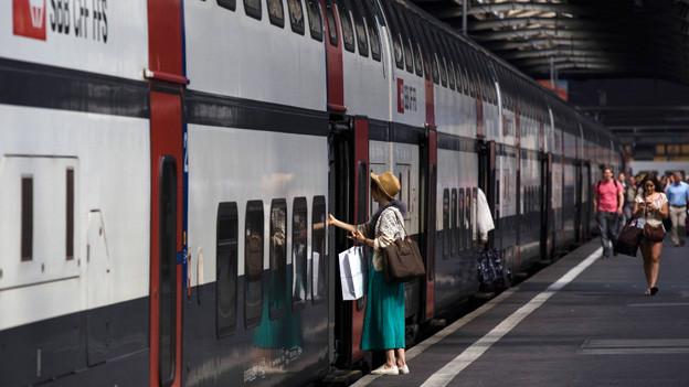 SBB-Zug im Bahnhof Zürich.