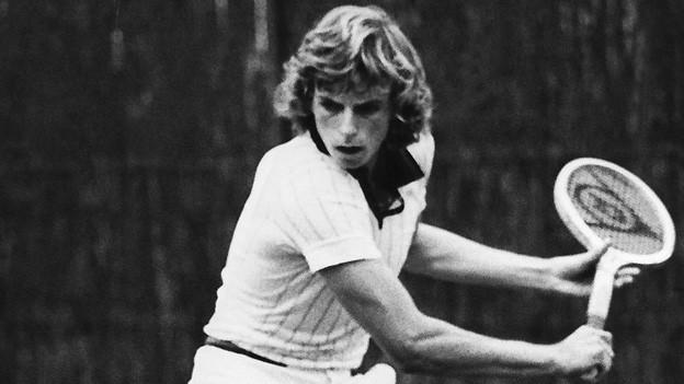 Heinz Günthardt als 17-Jähriger bei den nationalen Tennismeisterschaften in Luzern, einen Monat nach seinem überraschenden Sieg im Juniorenturnier von Wimbledon.