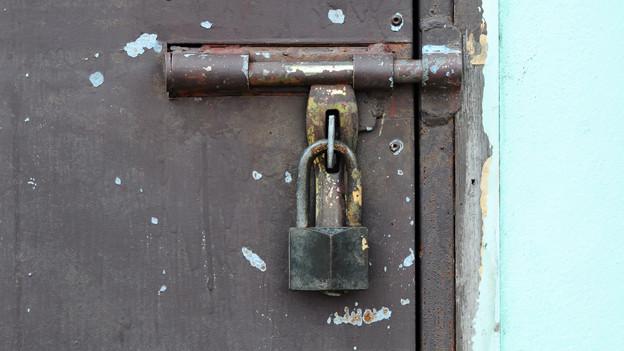 Ob diese altertümliche Sicherung heutzutage noch vor Einbrechern schützt, ist fraglich.