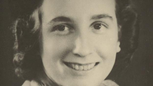 Während der Fortbildungsschule am Goetheanum in Dornach, fasste Christine Custer den Entschluss Eurythmistin zu werden.