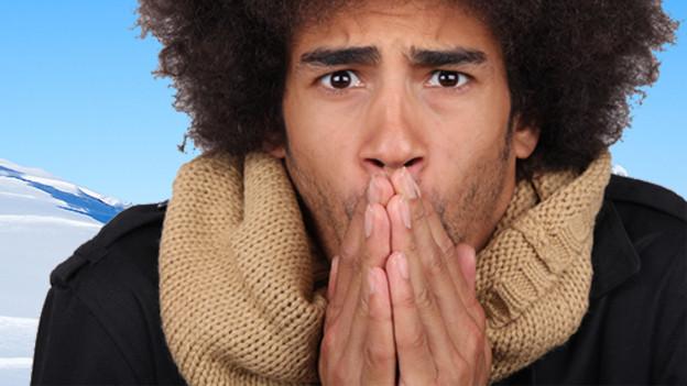 An Händen, Füssen oder Gesicht macht sich Kälte besonders schnell bemerkbar.