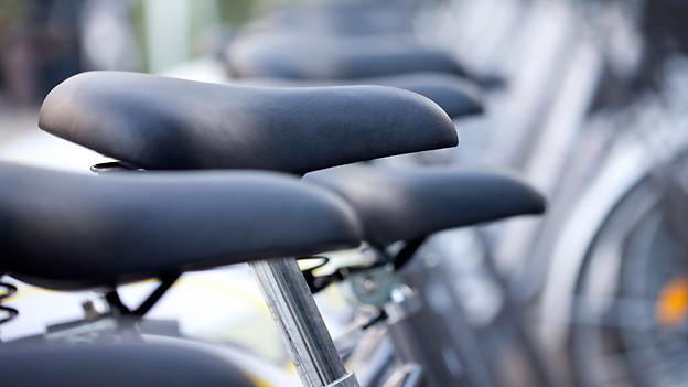 Die Sattelröhre lässt sich nutzen, um das Fahrrad mit einer Visitenkarte als das eigene auszuweisen..