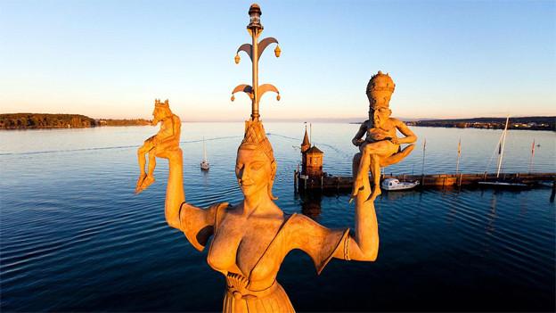 Die Imperia-Statue am Seeufer von Konstanz.
