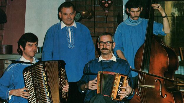 Eine vierköpfige Volksmusik-Formation.