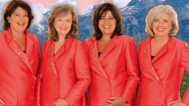 Das Quartett im lachsfarbenen Bühnenoutfit.