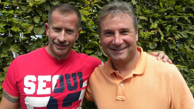 Friedl Würcher und Leonard im Garten von Radio SRF.