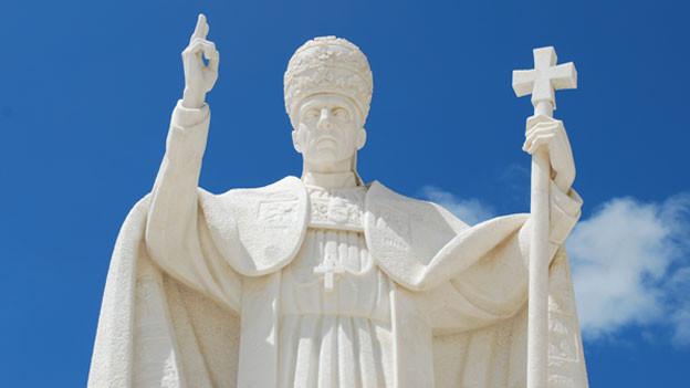 Paps-Statue