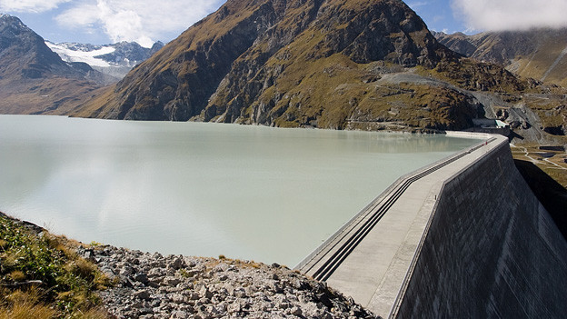 Staumauer des Lac des Dix.