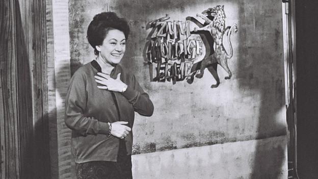 Margrit Rainer vor der Wirtschaus-Tür.