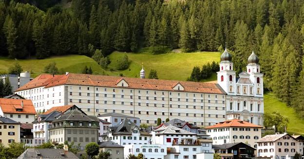 Blick auf das Kloster Disentis.
