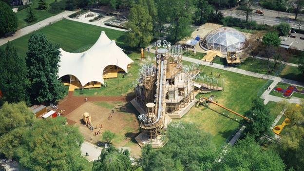 Blick aus der Luft auf das Ausstellungsgelände.