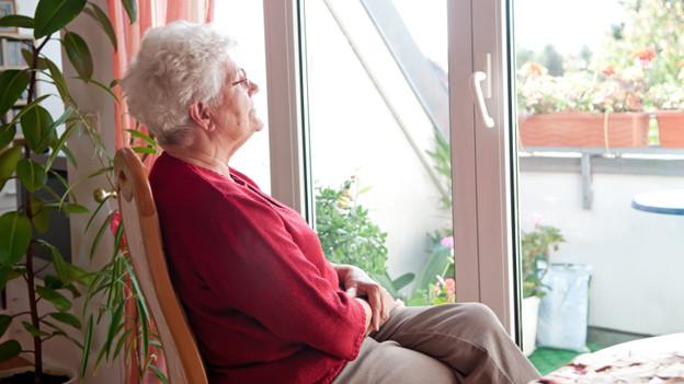 Lilians Mutter wartet lieber auf Besucht, statt andere zu besuchen (Symbolbild).