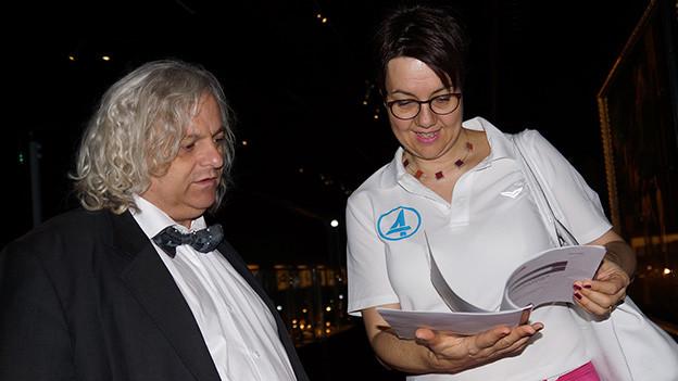 Schnappschuss mit dem Museumsdirektor und der Radioredaktorin.