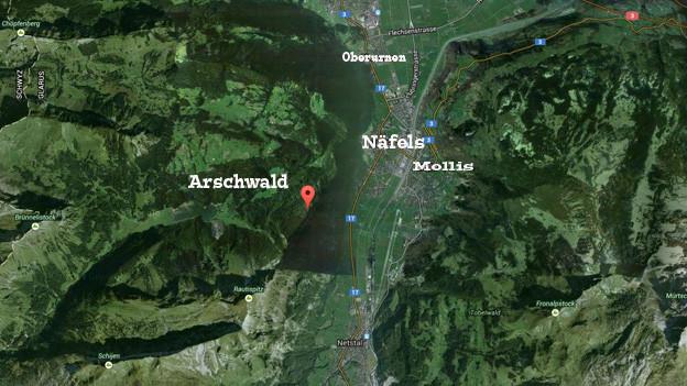 Satelittenkarte vom Glarus mit Arschwald.