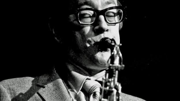 Paul Desmond am Saxophon.