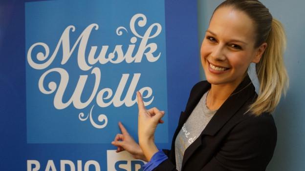 Linda Fäh im SRF Musikwelle Studio