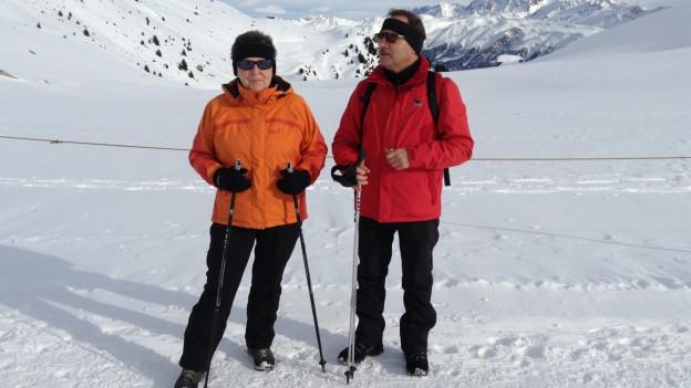 Ehepaar Loosli beim Winterplausch im Goms.
