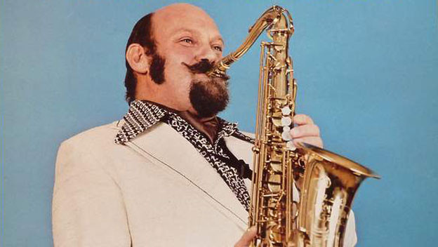 Ambros Seelos mit Saxophon